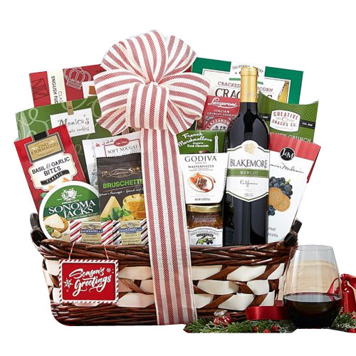 Spicy-Sweet Wine N Assortments Gift Hamper