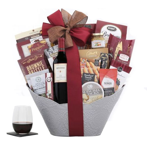 Holiday Retreat Basket of Wine N Assortments