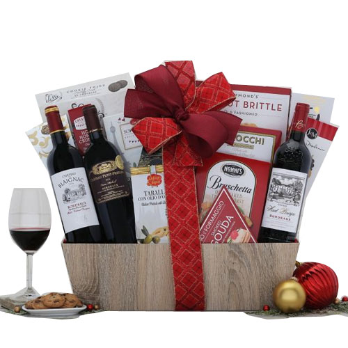 Perfect Christmas Basket of Bordeaux Wine Selection �