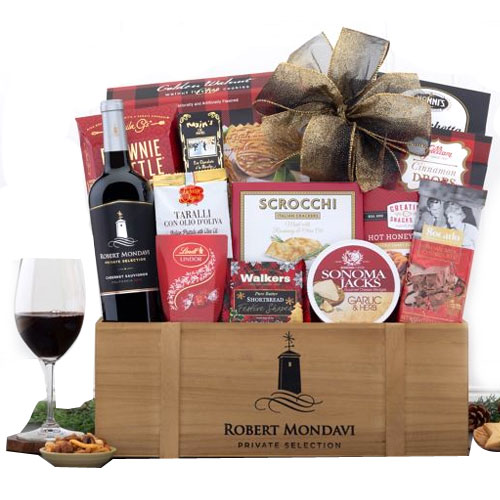 Alluring Gourmet Gift Hamper with Robert Mondavi Wine