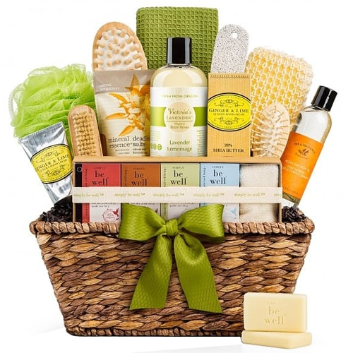 Natural Spa Basket for Christmas