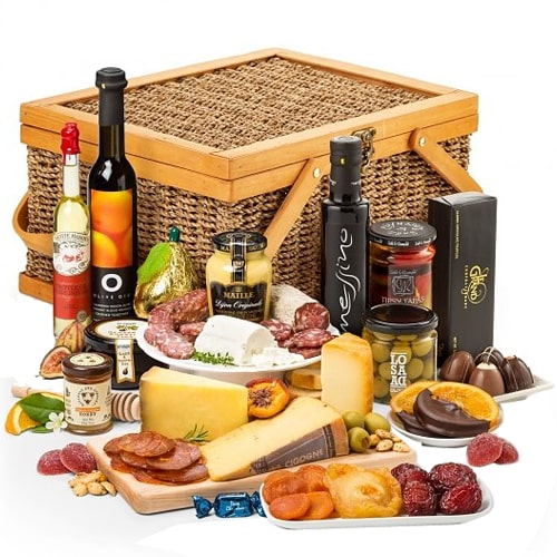 Royal Delicatessen Basket of Imported Goodies