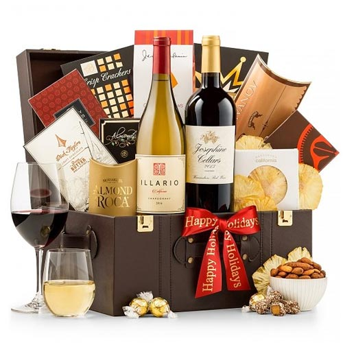 Appealing Wine N Assortments Holiday Cheer Gift Basket
