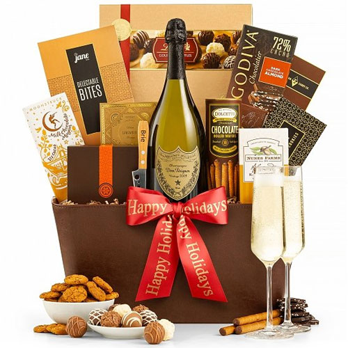 Lip-smacking Gourmet Hamper with Splendid Champagne<br>