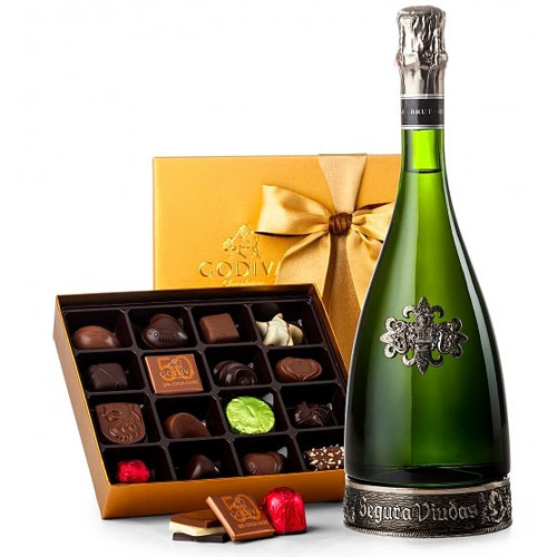 Scrumptious Box of Godiva Temptations with Champagne<br>
