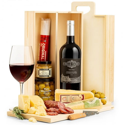 Red Wine N Cheesy Delight Platter