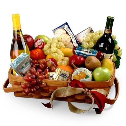 Holiday Fun Gourmet Fruit N Wine Basket
