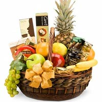 Exciting Holiday Abundance Fruit N Gourmet Basket<br>