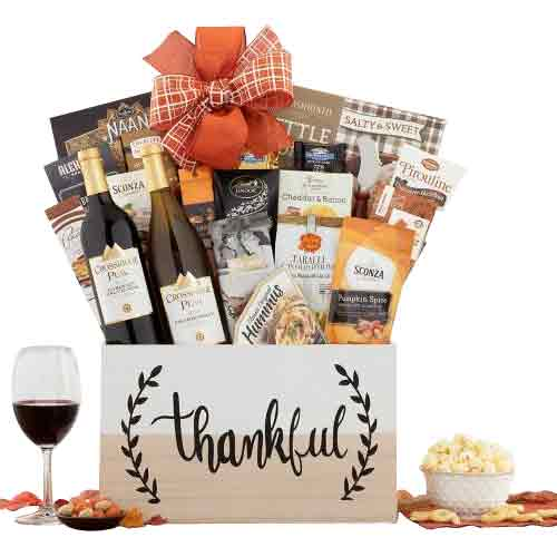 Excellent Wine N Gourmet Treat Basket for Christmas