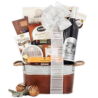 Smooth-Textured Finest Gourmet n Wine Gift Hamper