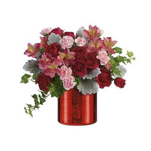Fascinating Valentine Gift of Red Roses Bouquet