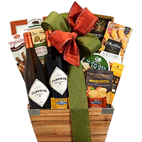 Classy Christmas Gift Hamper of Wine N Assortments