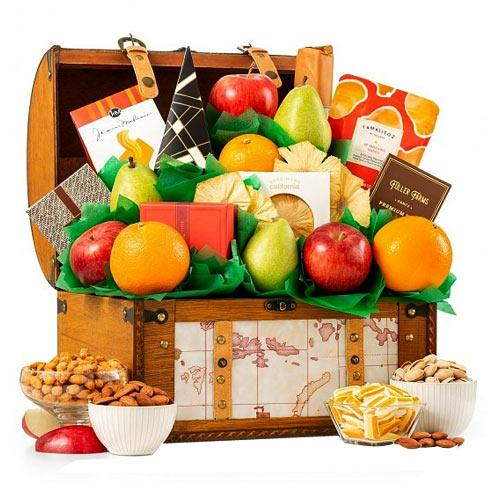Juicy Family Favorite Gift Hamper of Fruits N More