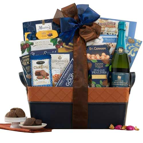 Good Wishes Fruits Hamper with Chocolates