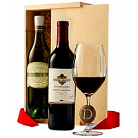Magical Gift Hamper of Juicy Wine N River Stone Wine Glass