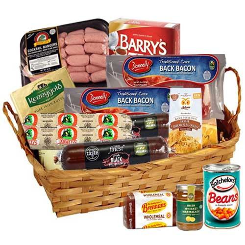 Complete Table Setting with Irish Breakfast Hamper