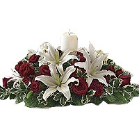 Graceful Centerpiece For Christmas