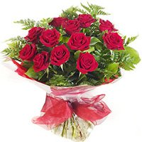 Classic Bouquet of Dozen Red Roses
