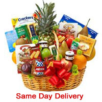 Attractive Basket of Deluxe Fruit and Gourmet