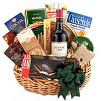 Traditional Wine and Gourmet Basket Red Wine
